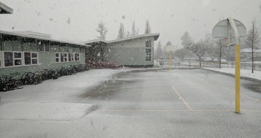Afternoon snowfall at GHMS
